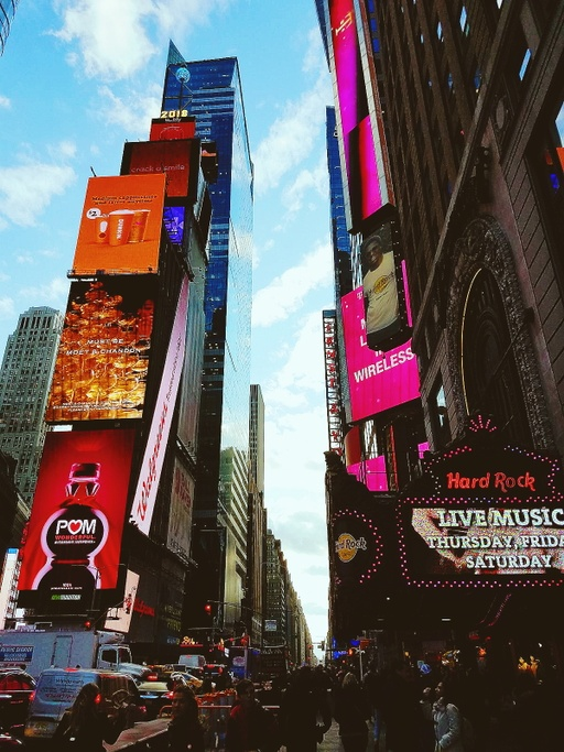 New York... New York...